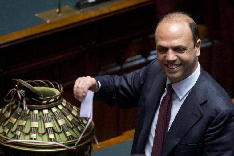 Angelino Alfano vota per l'elezione del Presidente della Repubblica