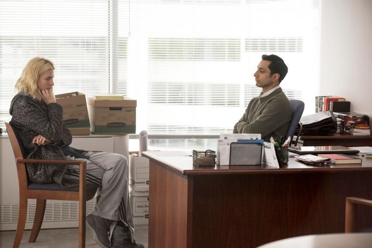 Prairie con Elias, lo psicoterapeuta impostogli dall'FBI