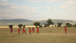 Maasai giocano a calcio